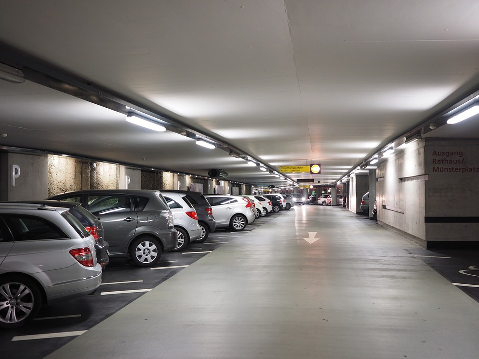Park Hall In, parking aéroport de Charleroi